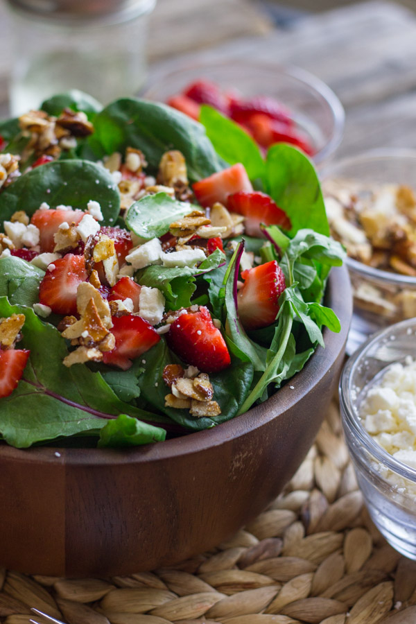 Easy, fruity, healthy, nutty, simple and green. You'll love it!