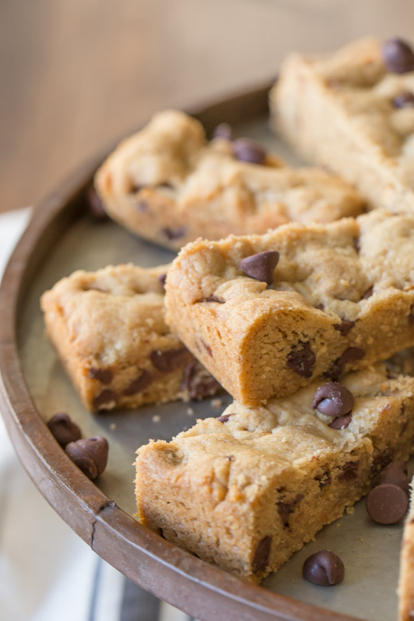 Peanut Butter Chocolate Chip Cookie Bars - perfect for when you need a soft, chewy cookie in a hurry!