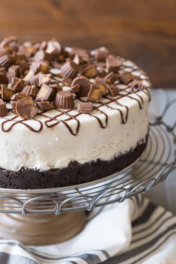 Peanut Butter Cup Ice Cream Cake - The easiest way to make an ice cream cake!